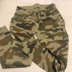 Carmar camo skinny pants
